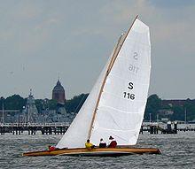 houari 220px-Sonderklasse_Kiel2007